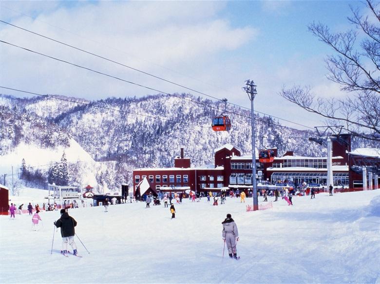 日本熱門滑雪推薦-札幌手稻滑雪場