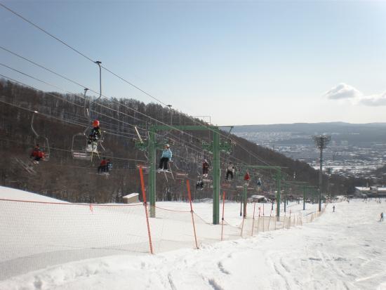 日本熱門滑雪推薦-藻岩山滑雪山